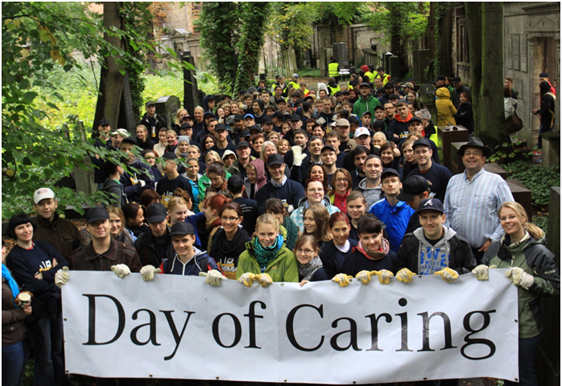 Mercedes Benz am Jüdischer Friedhof Berlin – Day of Caring