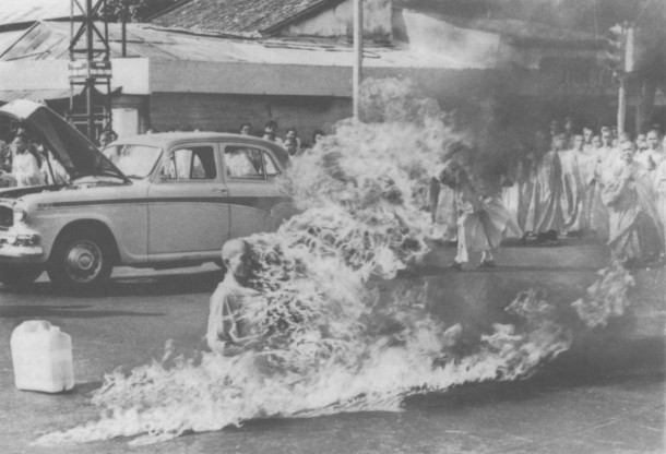 thich_quang_duc_-_self_immolation_11june63_wiki